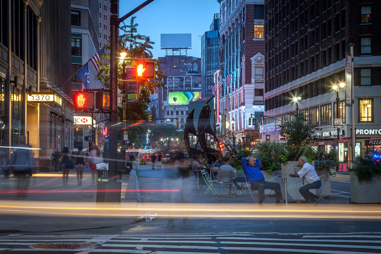 Five must visit places in new york 39 s garment district for Things must see in new york