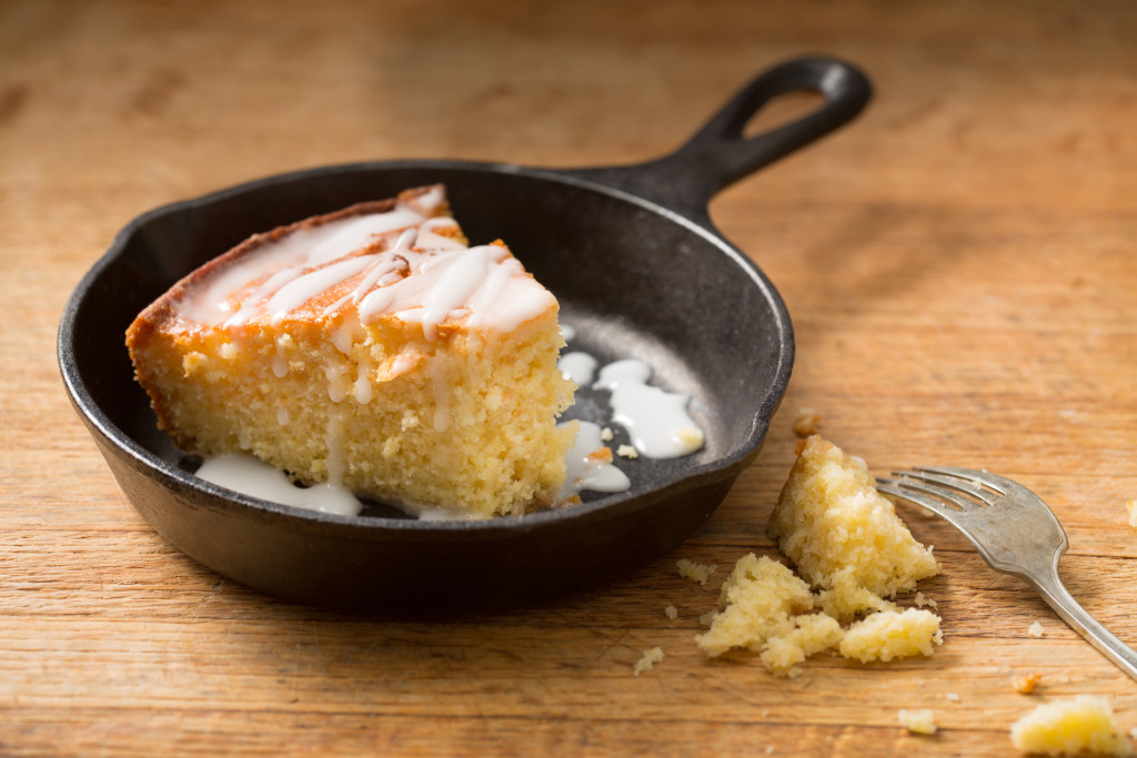 Skillet lemonade cornmeal cake
