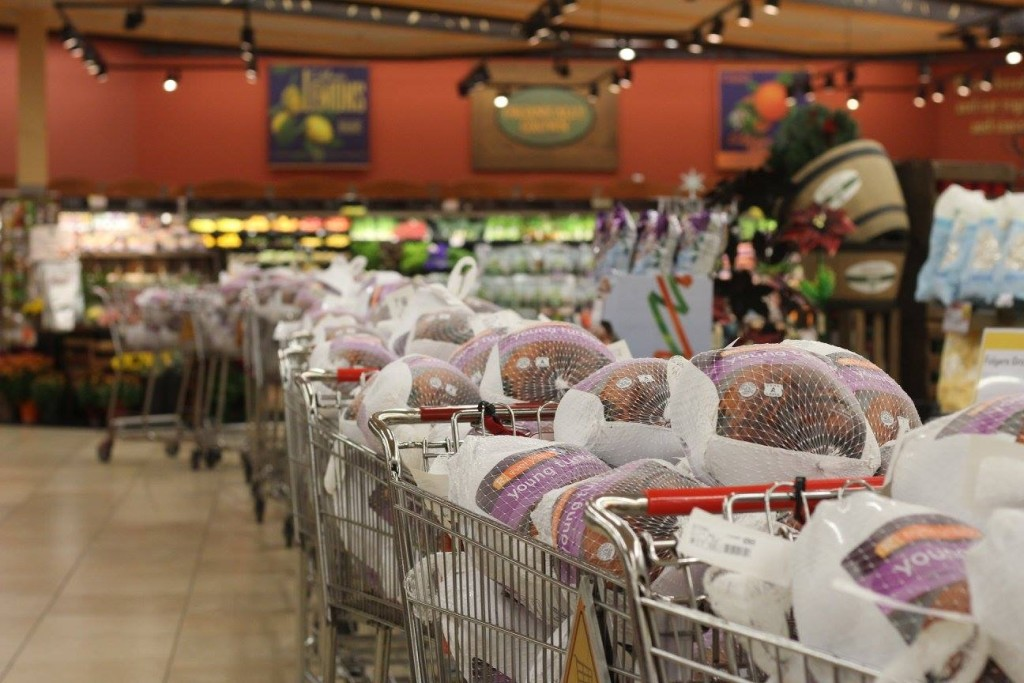 Hundreds of families in need across Sacramento receivde turkeys on Thanksgiving