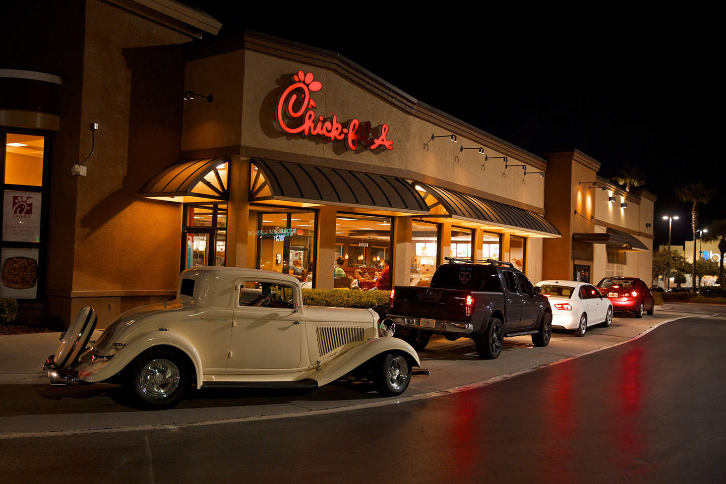 How Does Chick Fil A S Drive Thru Move So Fast Chick Fil A