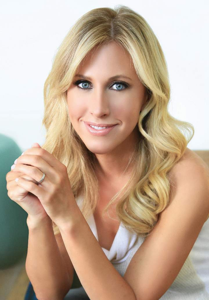 Emily Giffin author photo (credit Emmanuelle Choussy)