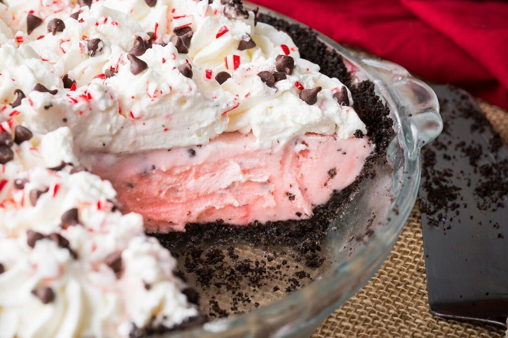 Peppermint milkshake pie