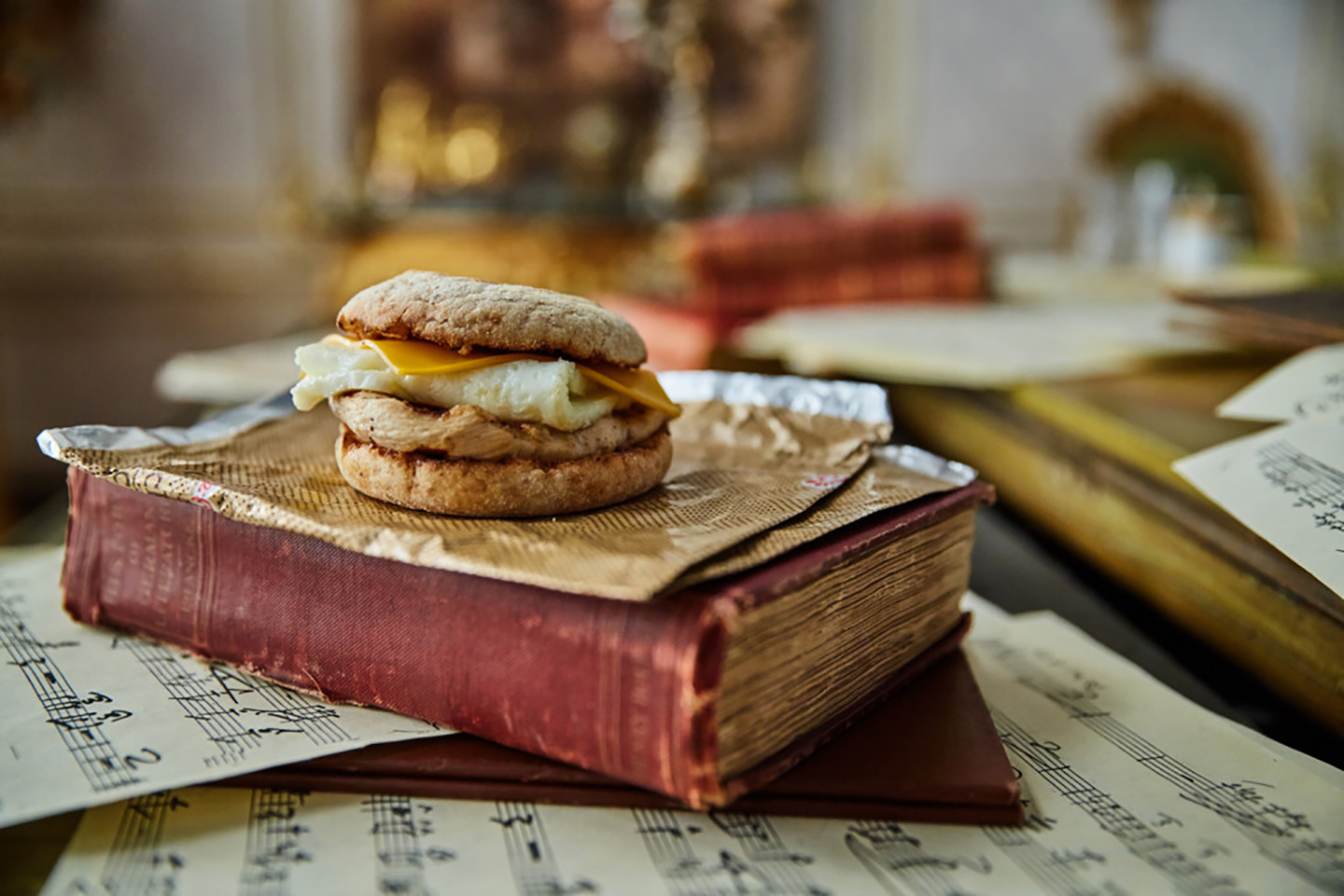 Egg white grill sitting on a stack of books