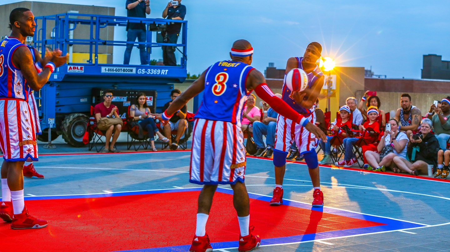 Harlem Globetrotters Surprise Chick-fil-A Customers in Queens